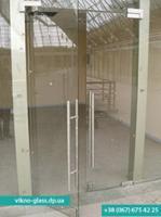 Двери из стекла