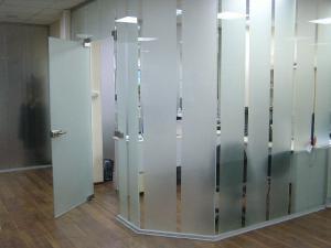Стеклянные офисные перегородки под корпоративный проект