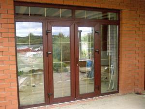 Двери входные и межкомнатные из алюминия, пластика, стекла.