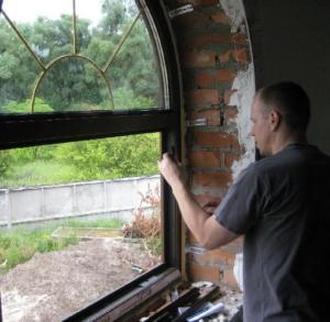 Замена уплотнителя в металлопластиковых окнах