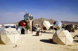 Ежегодная архитектурная выставка в пустыне