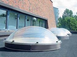 Рост популярности гибридных систем освещения зданий
